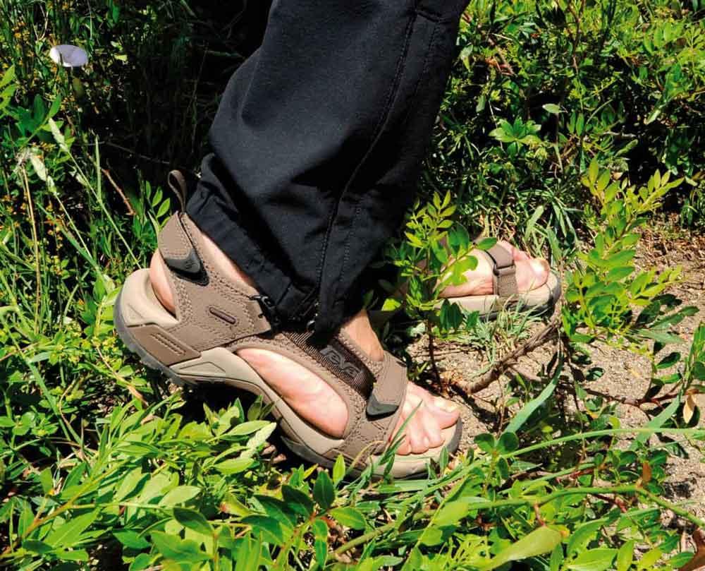best sneakers cbb6a 165cb Sandali da trekking migliori - guida completa con marche ...