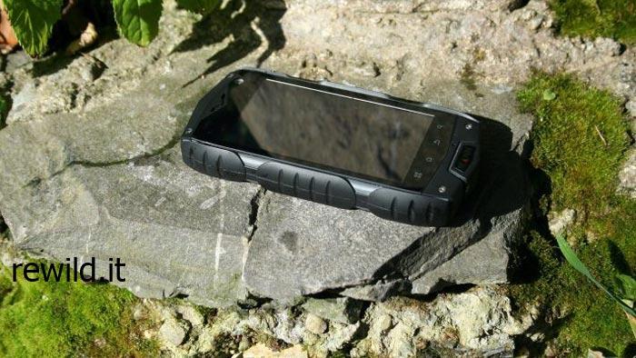 Smartphone Mann Zug 3