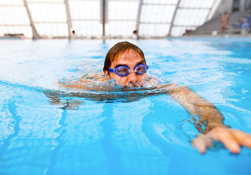 migliori occhialini da piscina